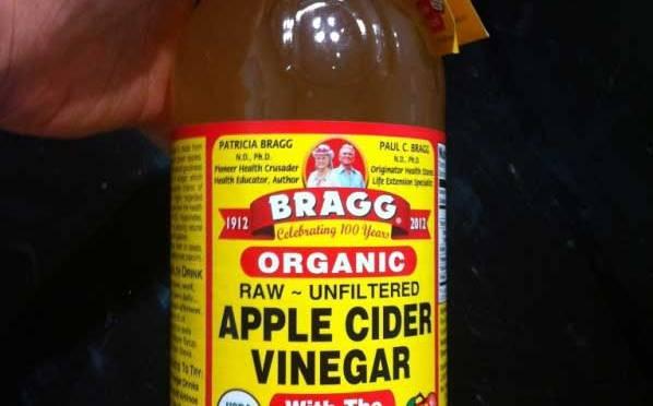"""เราควรรู้จักสิ่งนี้มานานเเล้ว!!!  """"น้ำส้มสายชูหมักแอปเปิ้ล"""""""