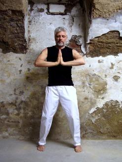 yoga-2047588_960_720